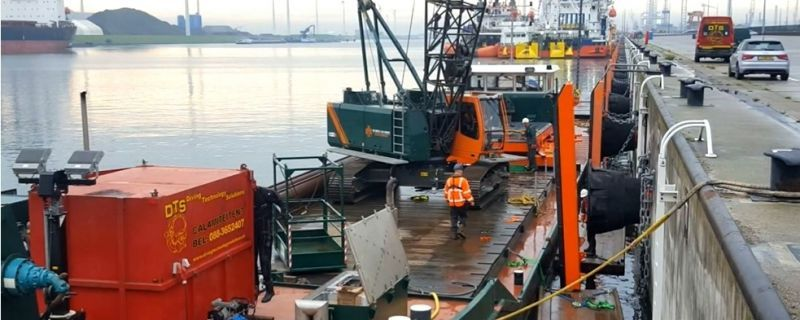 Quay maintenance at Eemshaven seaport